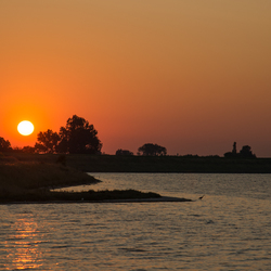Zonsondergang aan het Grevelingenmeer.