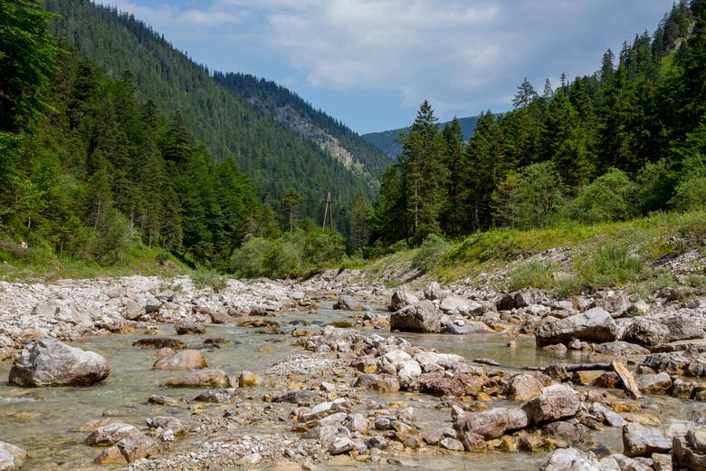 Bergstroom - Midden in de zomer stelt dit stroompje weinig voor, maar ik zou het graag eens in het voorjaar zien.