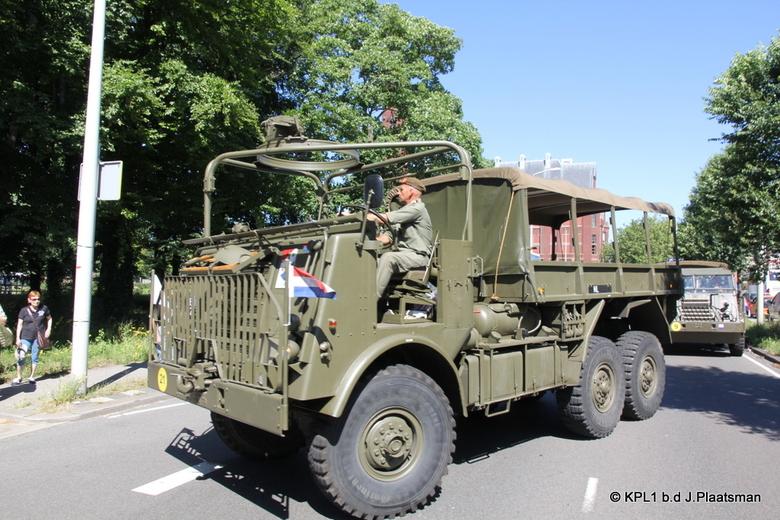 Veteranendag 2019  - Aankomst nostalgische legervoertuigen voor de Veteranendag in Den Haag