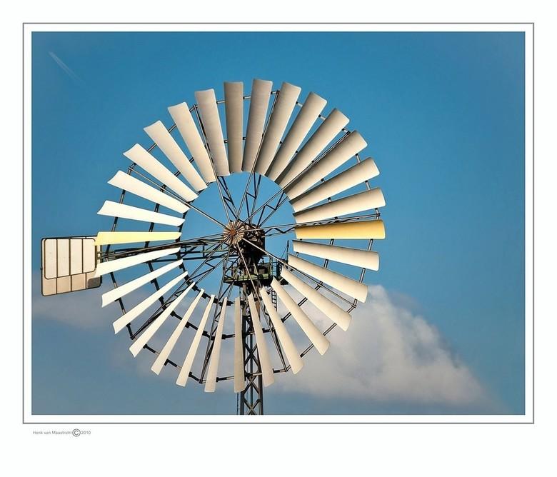 Duisburg 51 - Even de focus op de windmolen