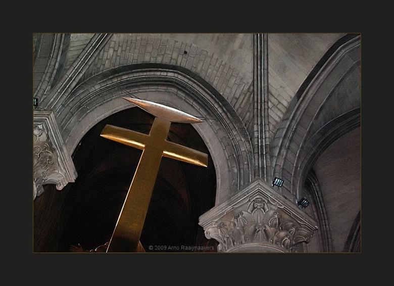 Parijs N Dame 08 - De Notre Dame mag je natuurlijk niet overslaan als je in Parijs bent...<br /> <br /> Laatste foto van IN de kerk. <br /> Er kome