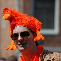 Dit is echt het gaafste oranje-hoofddeksel van vandaag!!