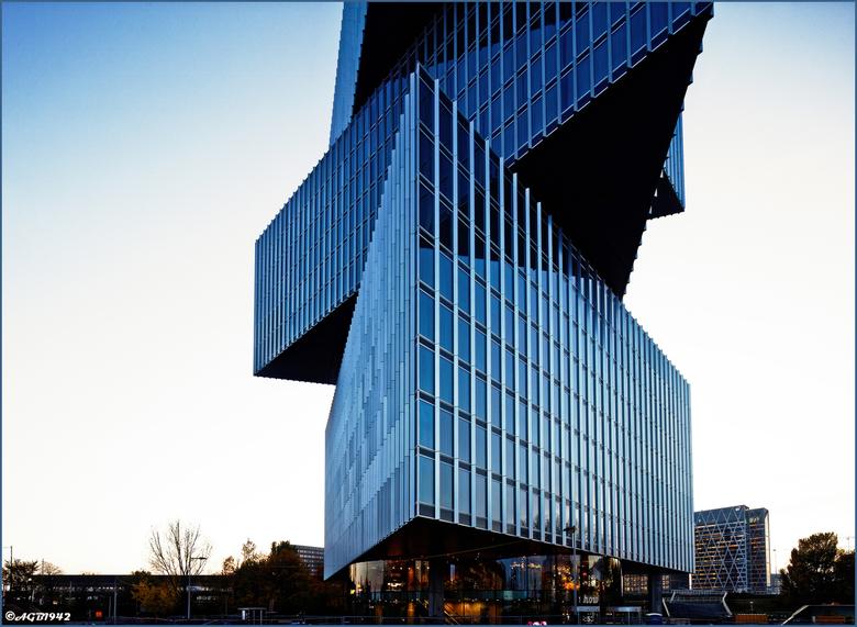 Nhotel Amsterdam. - Het nw Nhotel bij de RAI. <br /> Opent in jan 2020.