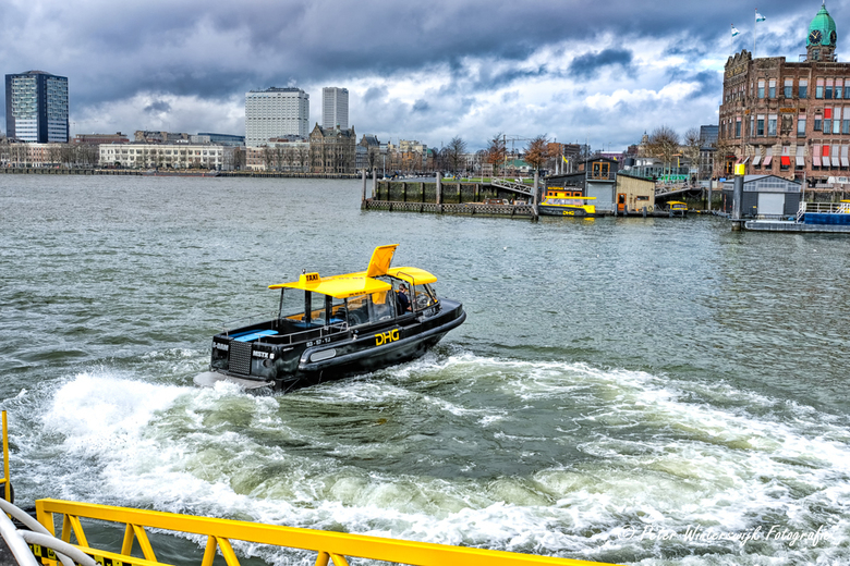 Watertaxi Rotterdam - Watertaxi in actie.