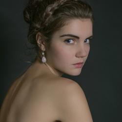Classic Beauty Shelley