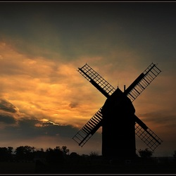 molen bij zonsondergang