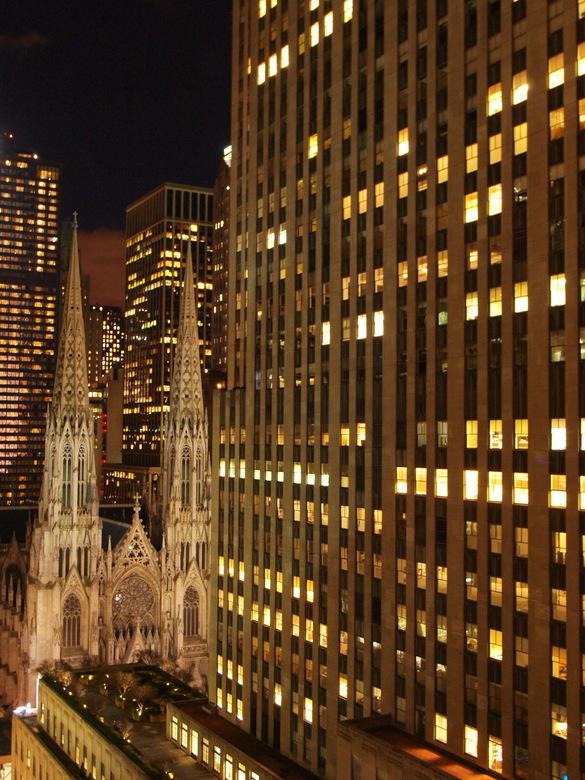 Opposites - Cathedraal New York, Manhattan