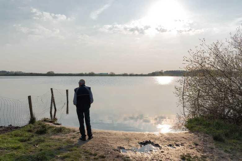 Genieten van de ondergaande zon - Na een prachtige dag even naar de ondergaande zon kijken bij het Schildmeer.