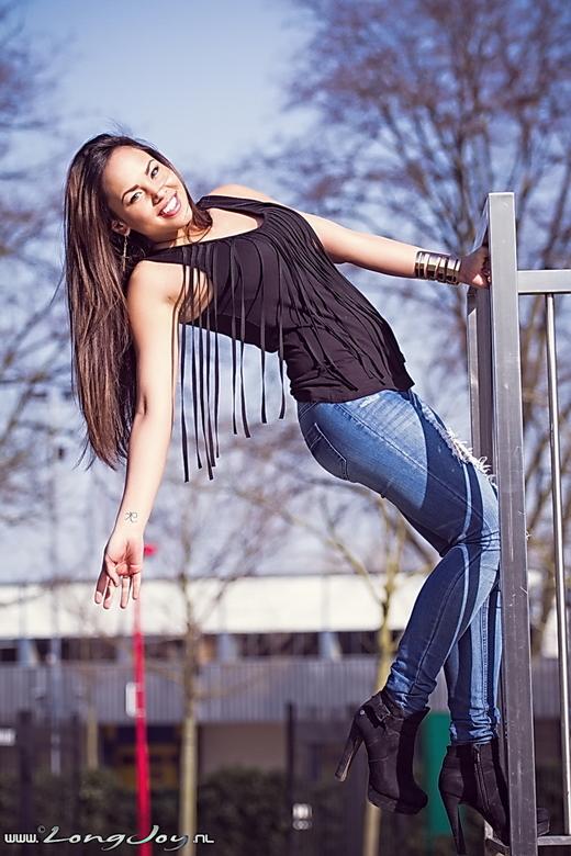 "..:: Karina ::.. - My first outdoorshoot of 2013... <img  src=""/images/smileys/smile.png""/><br /> Lekker spontaan..."