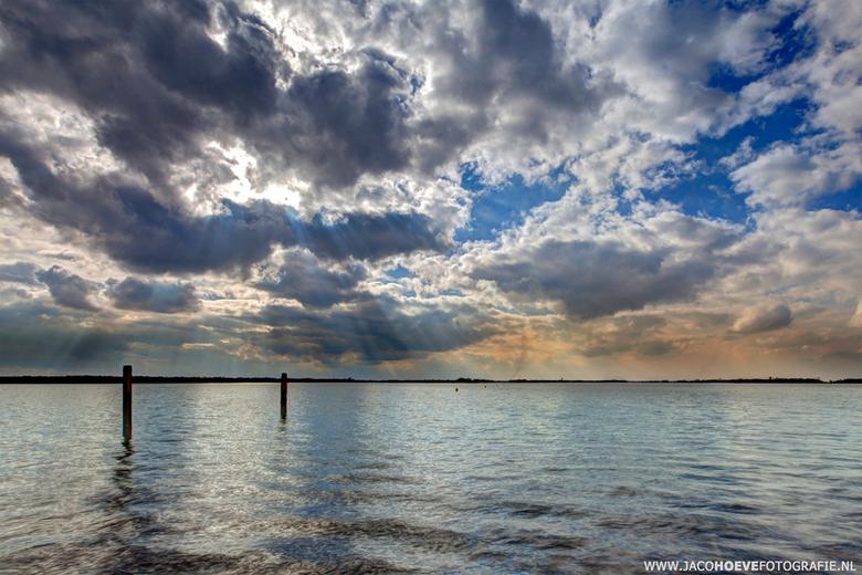 water - wolken (1) - Genomen op 18 maart 2013