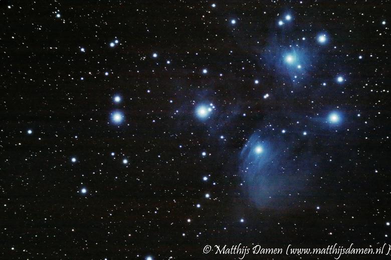 Pleiaden - De pleiaden, ook wel zevengesternte genoemd, is een open sterrenhoop. Dit is een belichting van ruim een half uur, en met wat beeldbewerkin