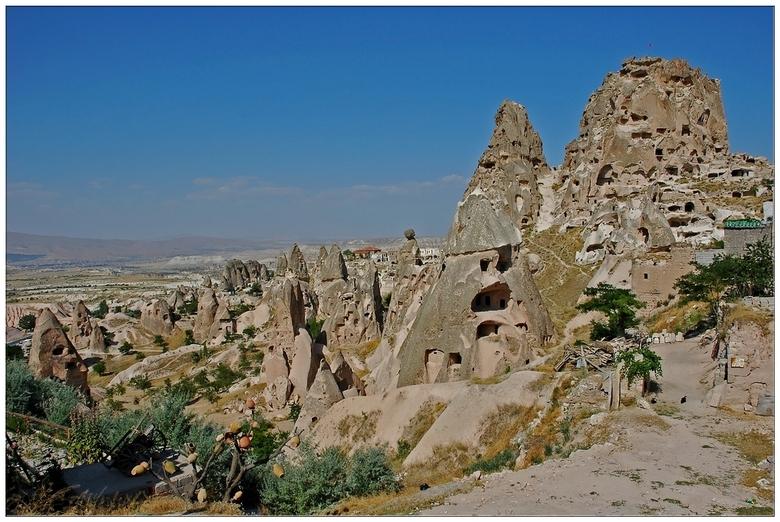 Cappadocië - Ongeveer 300 km ten zuidoosten van Ankara ligt aan de voet van de vulkanen Erciyes Dag (3916 m) en Hasan Dag (3258 m) één van de grote to