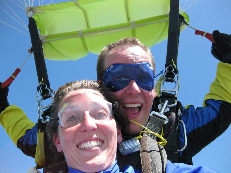 See us - Tandemsprong boven Maubeuge (FRK) samen met mijn vriendin