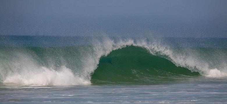 The Wave - Aan de atlantische kust bij Bordeaux<br /> vindt je deze machtige golven...spectaculair om te zien en te horen ...ietsje groter kijken mag