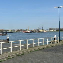 P1480623 Lokatie Pont Maassluis Rozenburg 18april 2018