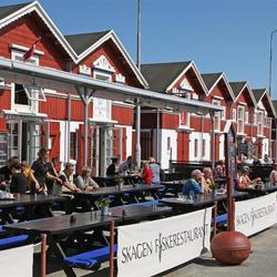 Visrestaurants aan de haven van Skagen