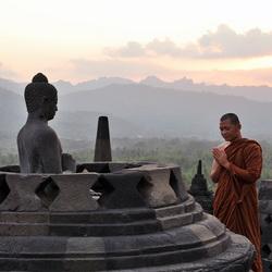 Boedistische monnik op Borobudur
