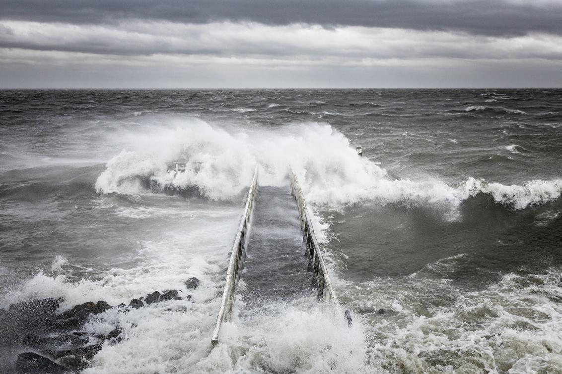 Ciara storm afsluitdijk