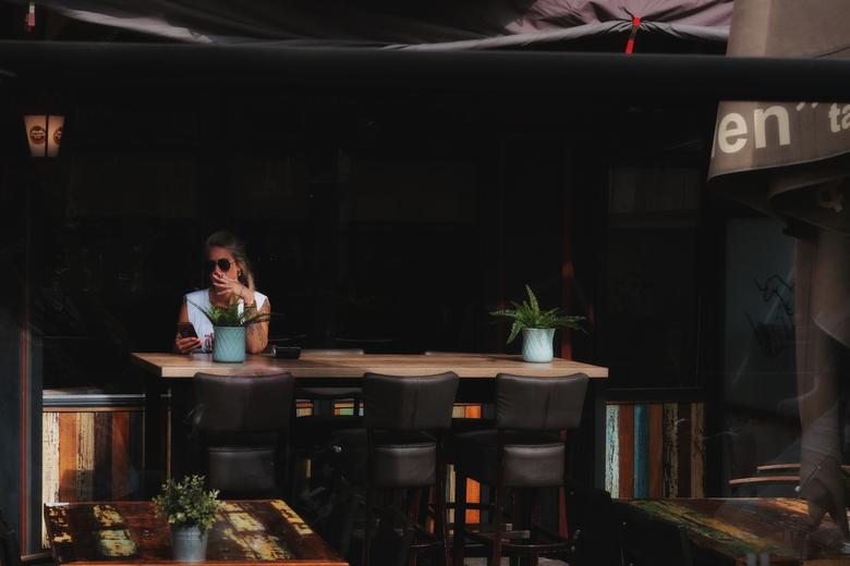 """Table for one - Heel blij met de kleur en eenvoud bij dit shot... Tip: groot bekijken komen de nagels beter uit <img  src=""""/images/smileys/wilt.png""""/>"""