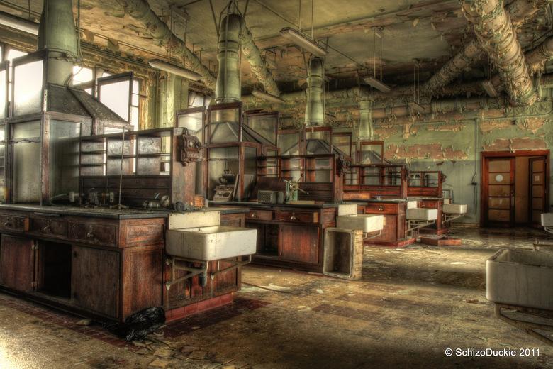 Liège chemlab - Het oude chemie lab van de Universiteit van Liège waar ik gister was. Geweldige Urbex locatie!