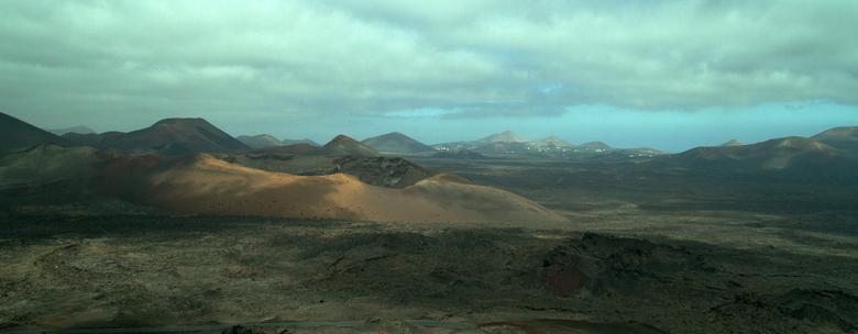 Lanzarote - Foto genomen vanuit de bus. <br /> We mochten er niet uit.