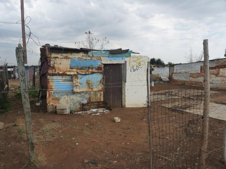 Wonen in een Township - Het leven in een township is met deze foto heel duidelijk.