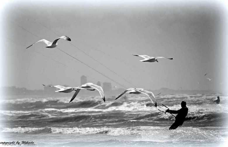 Kitesurfen - een gevecht tegen de wind