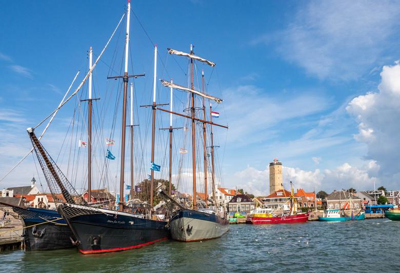 De haven van Terschelling - De haven van Terschelling biedt vaak een mooie aanblik. En op een zonnige dag, met mooie schepen is het altijd prijs
