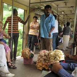 in de trein op Sri Lanka