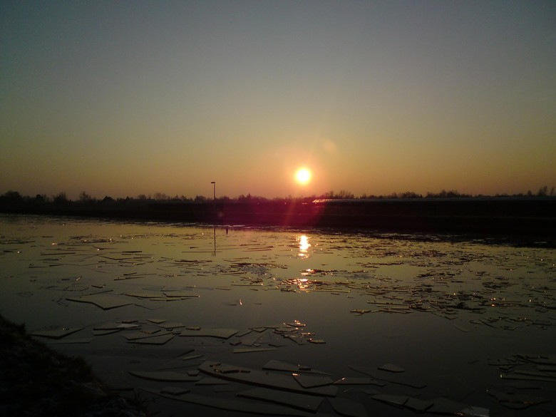Gebrokem ijs op de Gouwe bij Boskoop - Gebrokem ijs op de Gouwe bij Boskoop
