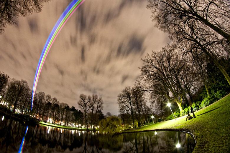 Sol Lumen - Lasers boven Utrecht - Universiteit Utrecht viert haar 375-jarig bestaan dmv een een kunstproject van www.laserfabrik.com die week lang 7