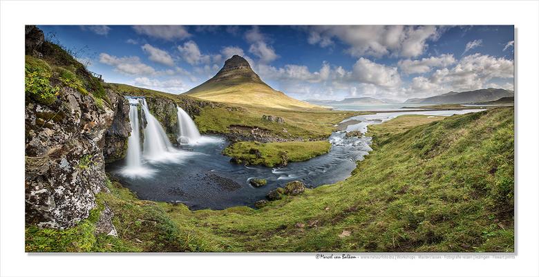 """Westlands IJsland II - Niet ver van Grundarfjörður ligt de 463 meter hoge vulkanische berg Kirkjufell (&quot;Kerkberg&quot<img  src=""""/images/smileys/w"""