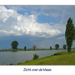 Zicht over de Maas