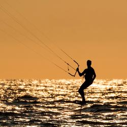 Kitesurfer op Zandvoort