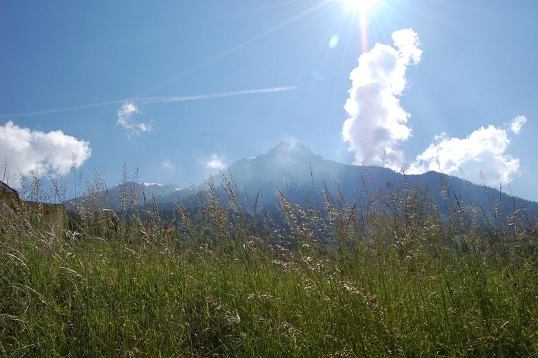 Acquarossa, tegenlicht - Tegenlicht opname in de bergen van zuid Zwitserland in Aquarossa.