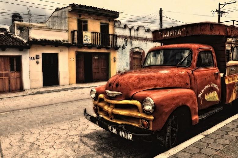 Retro Mexicano - Een pickup met heel wat jaartjes trouwe dienst<br /> <br /> Ik had de foto eerder al in m&#039;n gallery, maar heb hem herbewerkt