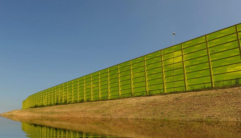geluidsscherm - ja een fraai geluidsscherm in den Bosch<br /> in het landschap mooi