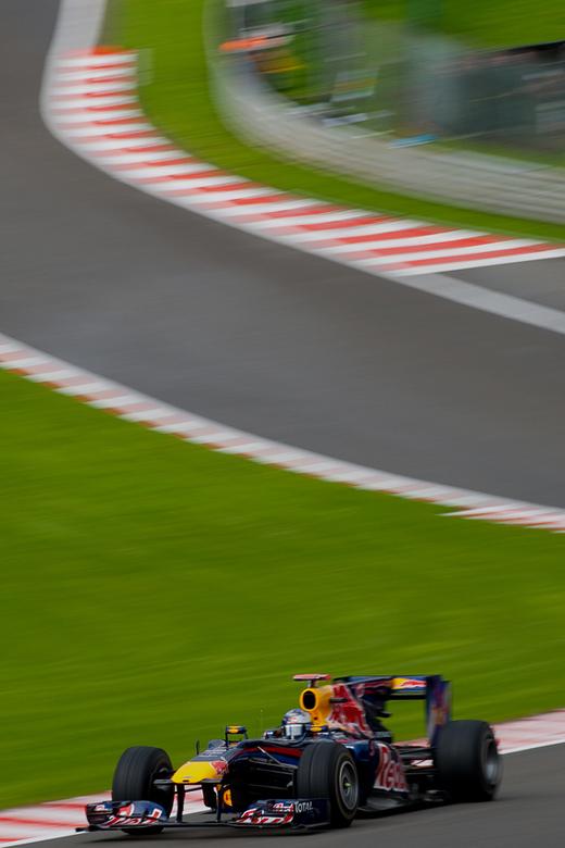 De kampioen! - Vettel werd afgelopen weekend de jongste kampioen in de Formule 1. Afgelopen zomer was de jongeling actief op het circuit van Spa-Franc