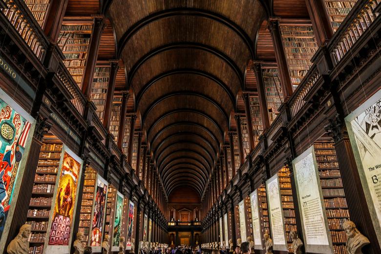 Dublin - The long room. Bibliotheek, onderdeel van de expositie 'Book of Kells' @Trinity College Dublin