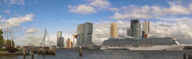 Rotterdam Veerhaven - Er zat altijd een foutje in deze panorama.. vandaag toch maar eens met andere software geprobeerd en het foutje is weg <img  src