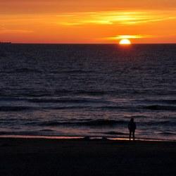 Schip bij zonsondergang Texel