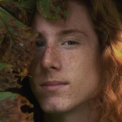 de jongeman met rood haar