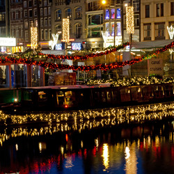 Rondvaartboten in kerstsfeer