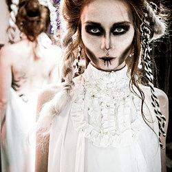 Lily Cut model backstage