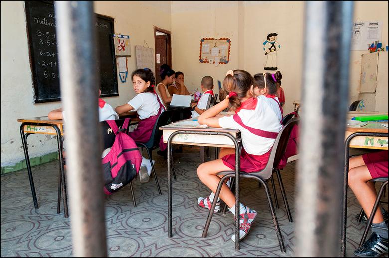 Cuba 140 - Het is op Cuba niet alleen maar kommer en kwel wat de klok slaat. Gelukkig zijn er, ondanks het strakke regime van de broers Castro, ook ee