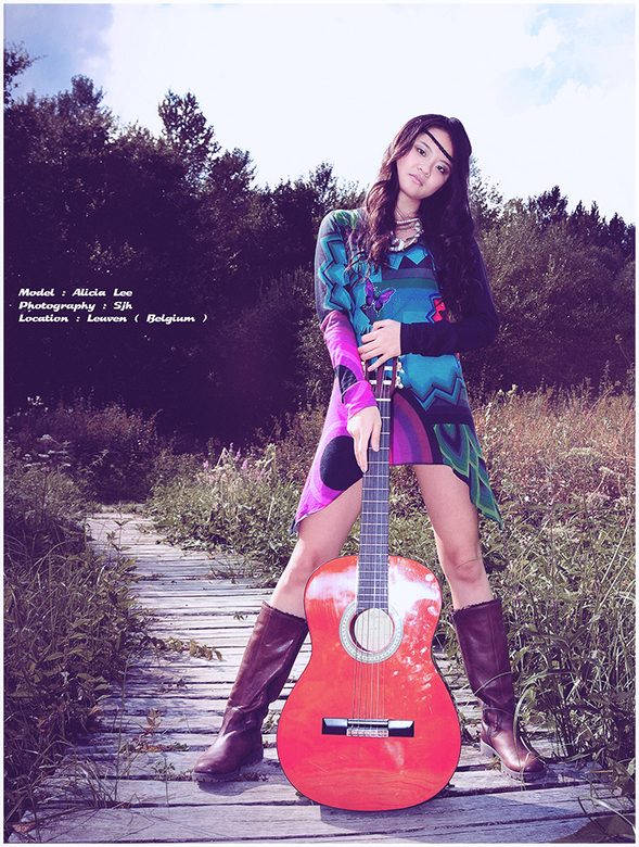 Alicia Lee - Het tweede model <br /> Alicia Lee  ...  Bedankt . !!!<br /> Het was den bedoeling om een soort van flower power sfeer te creëren van d