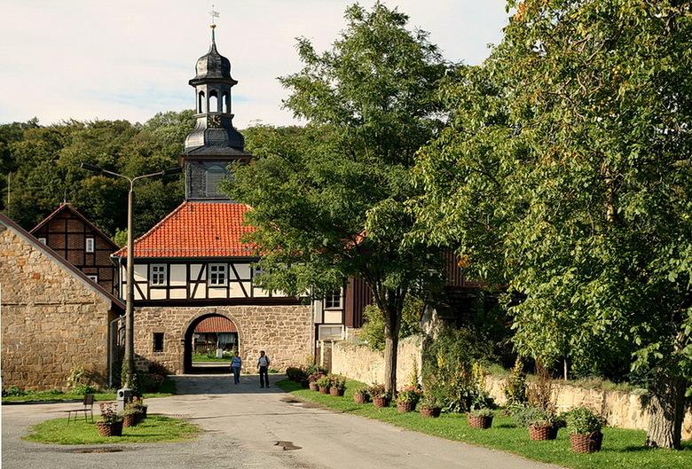 Klooster Michaelstein 17. - Ingang poort klooster Michaelstein zo 6 kl vanaf blankenburg in het harz gebied Duitsland.<br /> 21 september 2015.<br />