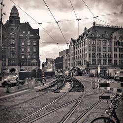 Amsterdam ontwaakt trams beginnen te rijden.