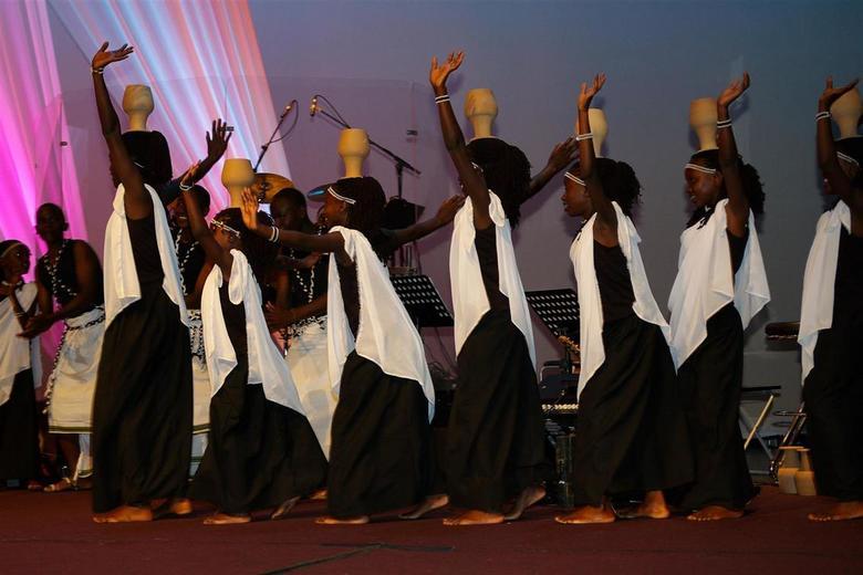 Potjes - Optreden van Kids Gear Choir uit Afrika
