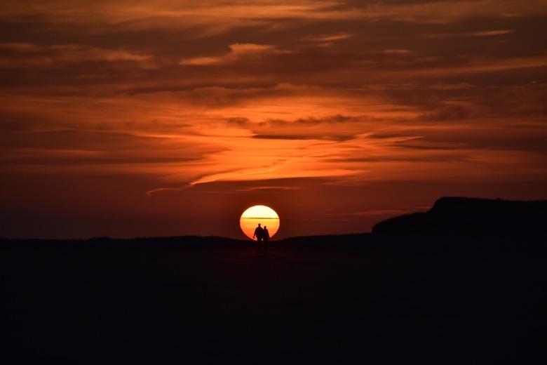 Zonsondergang - Romantische sunset op het Terschellinger strand...